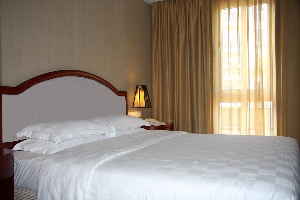住2晚厦门亚洲海湾大酒店+游鼓浪屿红地毯蜡像馆+人文学府厦大+漫步白城沙滩