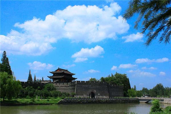 荆州古城墙宾阳楼