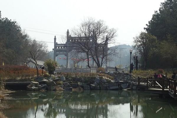 天柱山山谷流泉文化园