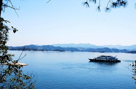 千岛湖森林氧吧、骑行纯玩3日巴士跟团游千岛湖开元度假村景观湖景房,可选千岛湖中心湖区