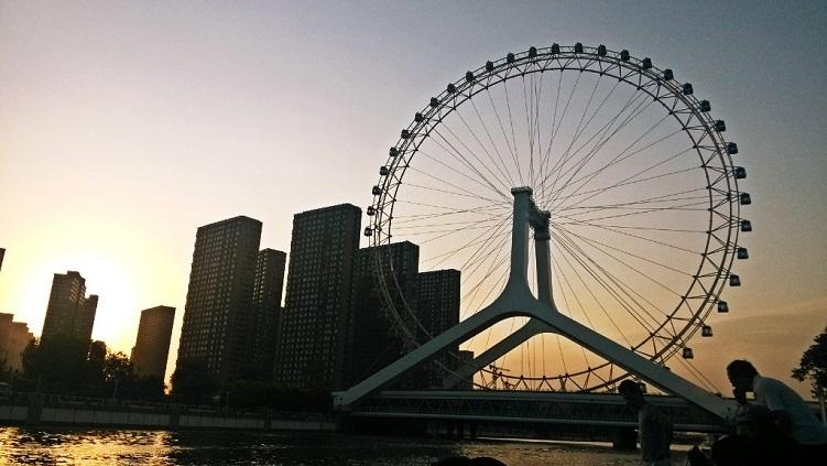 天津1日巴士跟团游五环内接 意式风情街,瓷房子,远观天津之眼,海河外滩公园,洋货市场,赠送价值200元出海船票