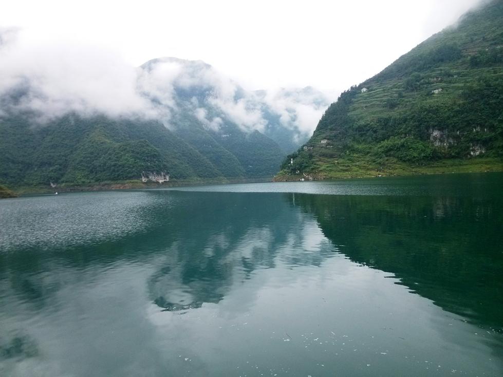 宜昌三峡人家、清江方山2日动车跟团游观西陵峡谷风光、体验玻璃栈道、天天发班