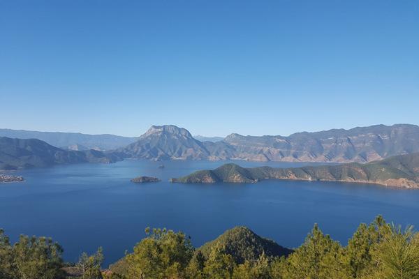 麗江瀘沽湖瀘沽湖地形