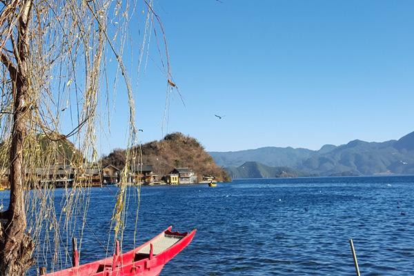 麗江瀘沽湖瀘沽湖的靜