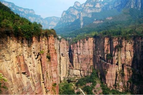 万仙山 、八里沟、 天界山3日巴士跟团游    探访中华影视村郭亮村,观赏太行天河大瀑布