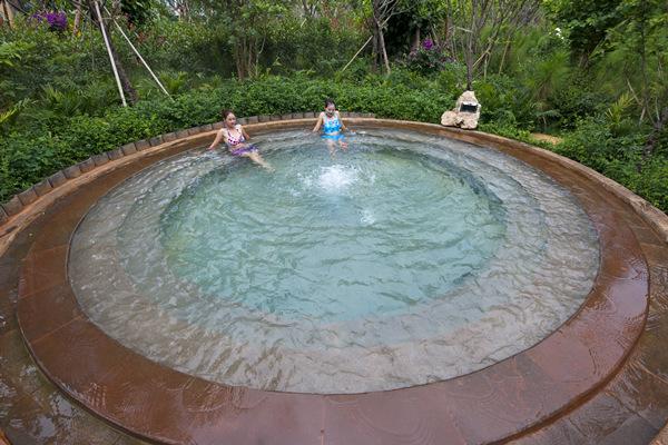 石林红杉湖温泉