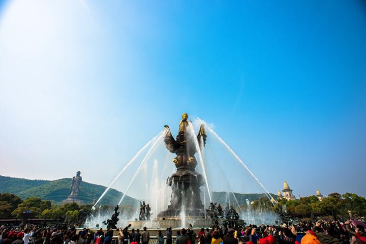 灵山大佛大型音乐喷泉动态群雕九龙灌浴