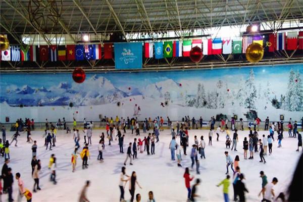 深圳阿尔卑斯冰雪世界