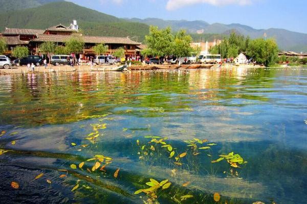 丽江泸沽湖建筑形态