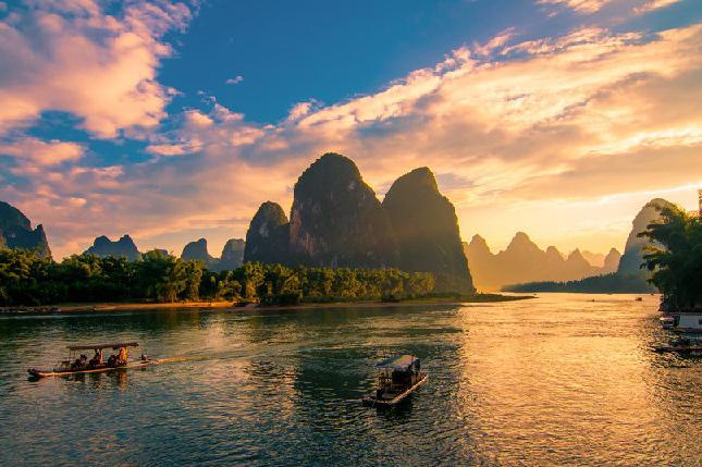 桂林、阳朔、德天瀑布、通灵大峡谷7日当地游[一次游两地]尽览桂林、阳朔美景;感受跨国大瀑布的气势磅礴,观通灵大峡谷石井洞天