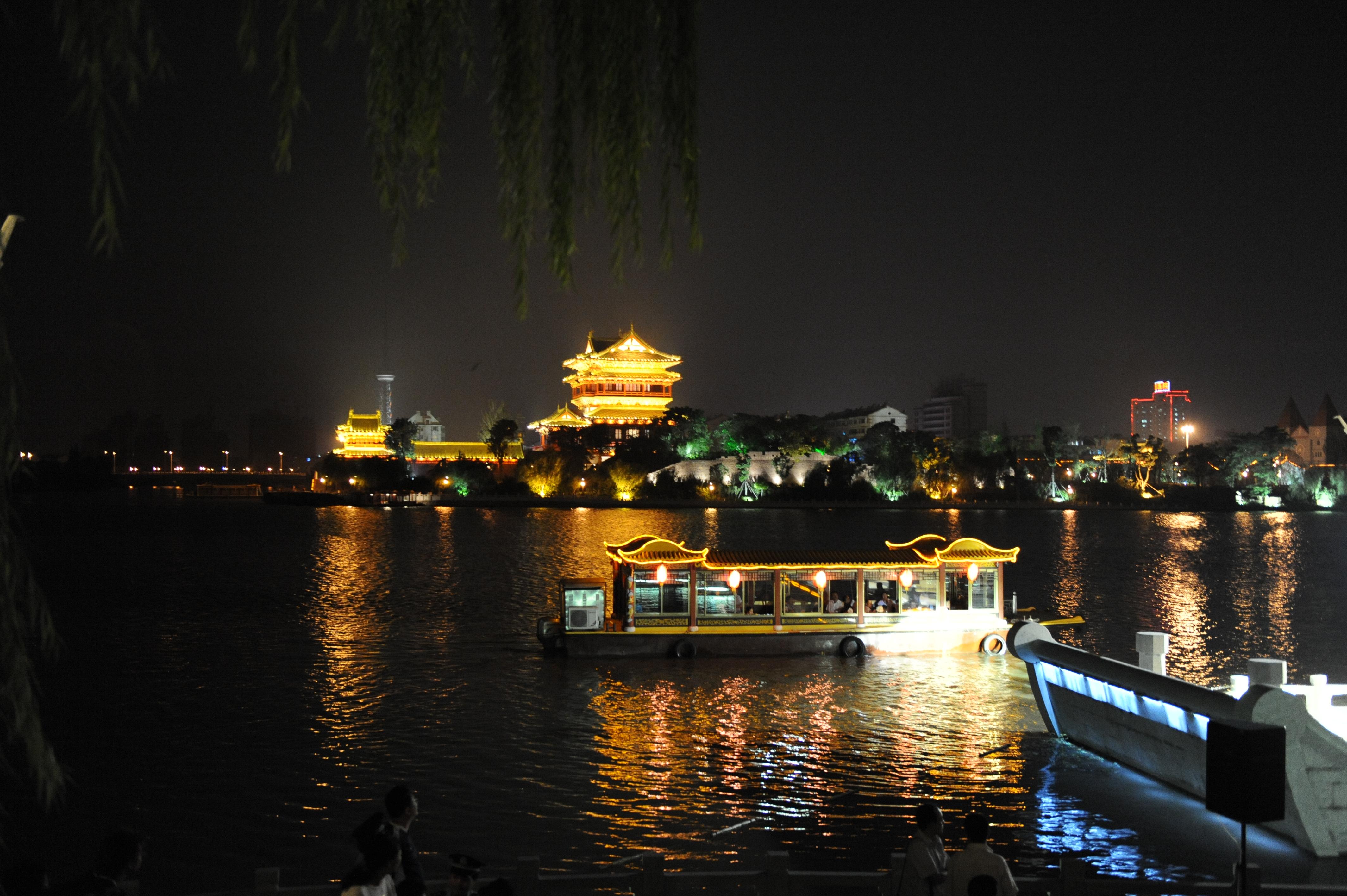 泰州凤城河画舫游船