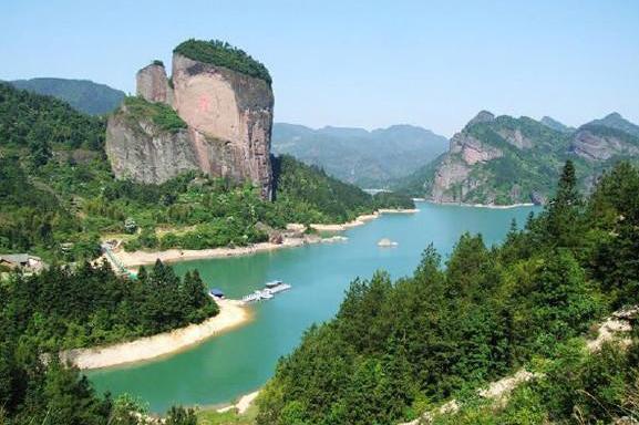 龙虎山、三清山双高3日跟团游游丹霞地貌、江南美景,纯玩无购物