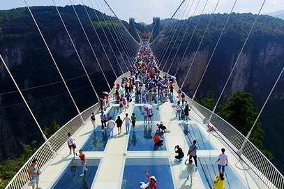 张家界大峡谷玻璃桥、天门山巴士2日当地游[纯玩无购物]体验新鲜玻璃桥-惊险玻璃栈道、入住新品酒店