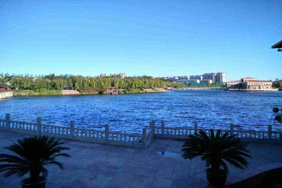 天鹅湖温泉度假村