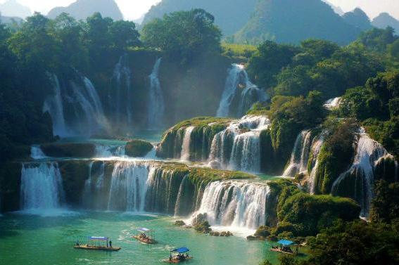 桂林、南宁、巴马巴士9日深度游(桂林进南宁出)尽览桂林、阳朔美景;感受跨国大瀑布,观赏通灵大峡谷;探访巴马长寿秘诀