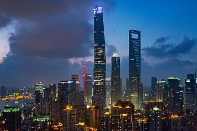 上海都市纯玩巴士1日当地游[上海大世界 上海中心118层 城隍庙 浦江夜游船 南京路步行街]含车 含票 含导