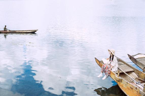 丽江、大理、泸沽湖巴士6日游[纯玩0购物]2-8人定制团,百事特贵宾通道送机,双廊,泸沽湖环湖游,看日出日落,坐小马车猪槽船,体验蓝天白云,云卷云舒,全程下榻特色客栈,游玩更轻松,感受更到位