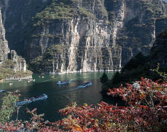 龙庆峡第三十届冰灯艺术节