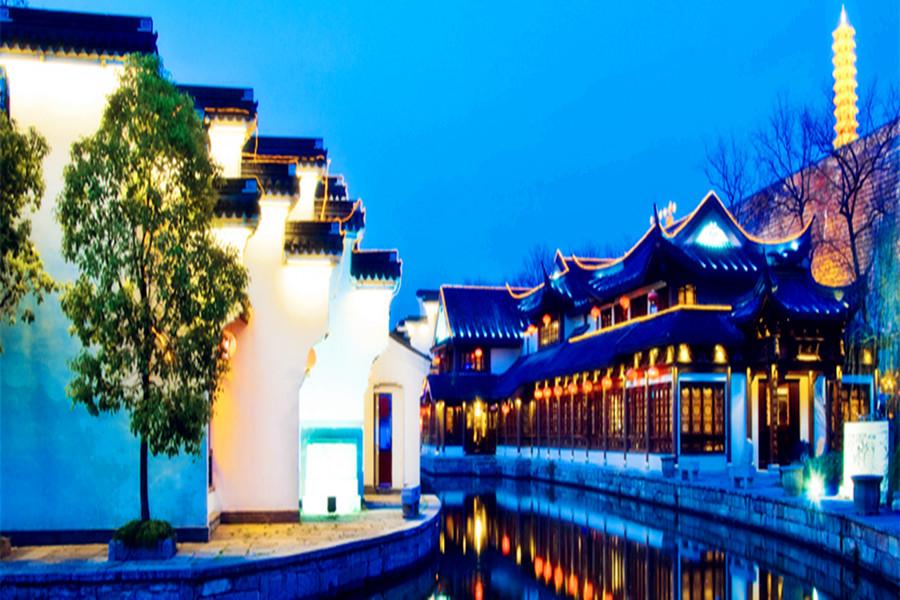 周庄古镇,双桥、沈厅、张厅1日巴士游含环镇水上游、含奥秘馆