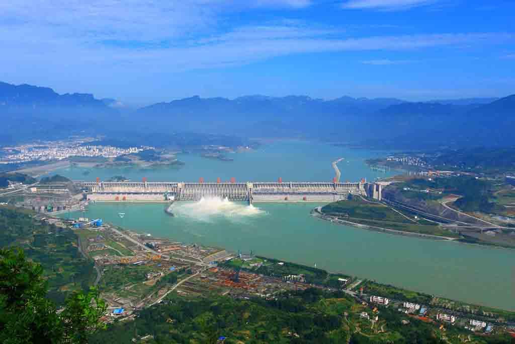 宜昌三峡大坝空调旅游车半日当地游[山水神工]可选上午班与下午班,观水利枢纽工程之壮大