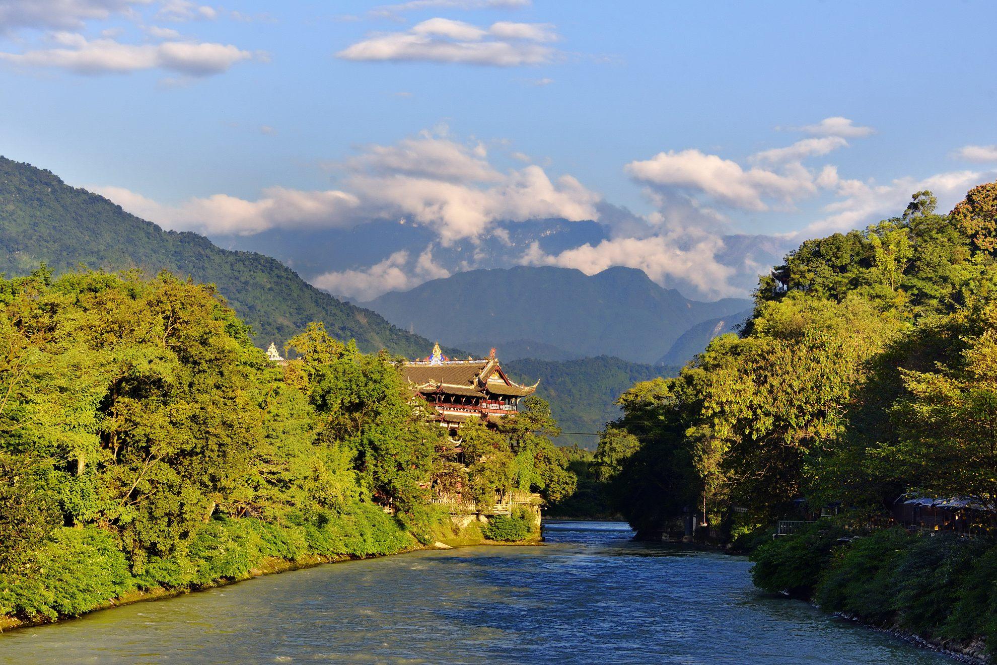 成都-都江堰往返直通车1日深度游