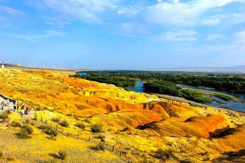 吐鲁番、喀纳斯、禾木村、克拉玛依、五彩滩景长春重庆路美食城图片
