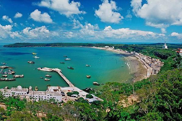 北海、银滩、涠洲岛3日动车跟团游[亲子精选]银滩踏浪 浪漫涠洲岛  动车往返