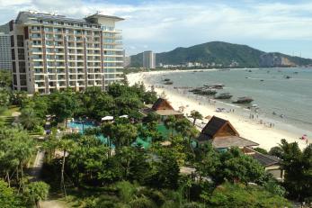 惠州巽寮湾沙滩巴士2日跟团游入住海尚湾畔度假公寓、享无边际游泳池、私家沙滩