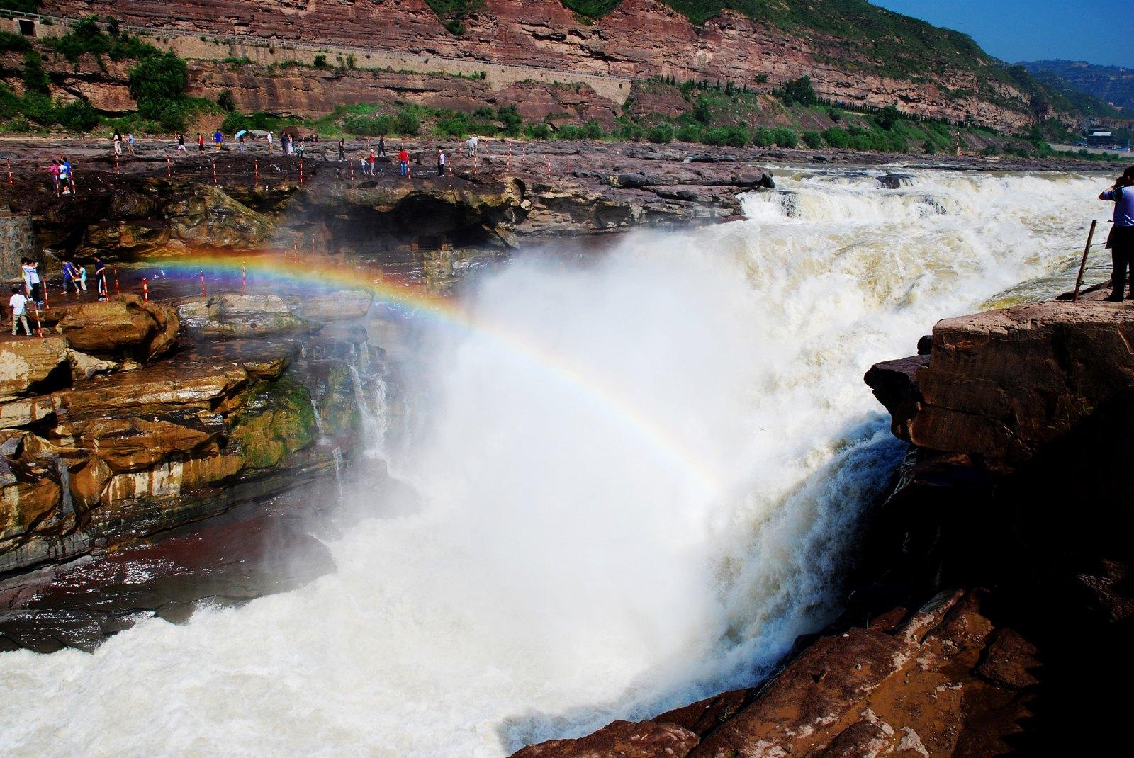 延安壶口瀑布、黄帝陵、枣园动车跟团2日游避免大巴5小时长途跋涉轻松游