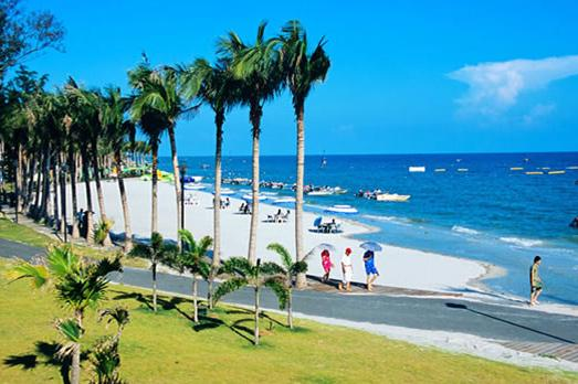 """南宁、银滩、百年老街、北海涠洲岛4日双飞跟团游浪漫北海海滩公园,还有巨年轻的""""南国蓬莱""""火山岛---"""