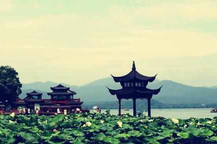 杭州雷峰塔、飞来峰、乌镇纯玩2日巴士跟团游赠送西湖游船   游枕水人家 无强制消费