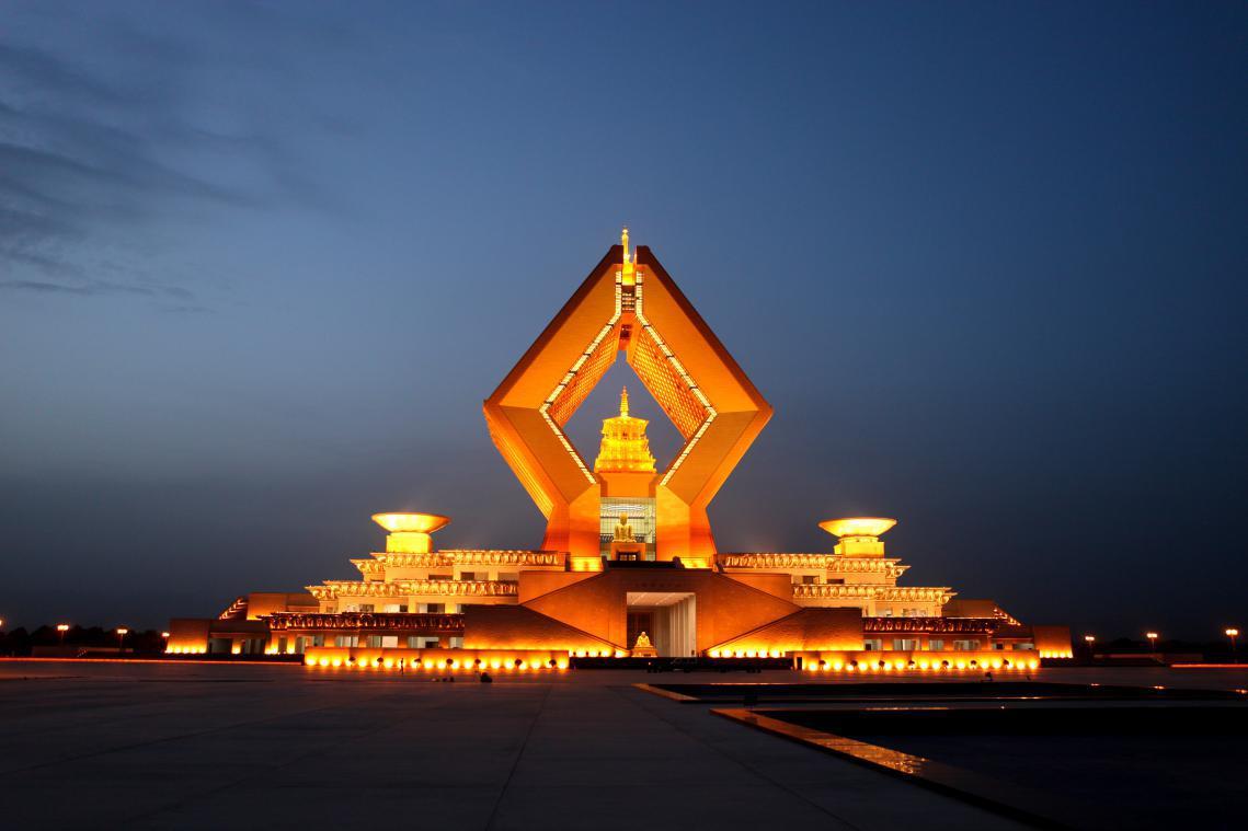 西安乾陵、法门寺、兵马俑、华山5日飞高游佛门祈福、全程品质酒店、无购物