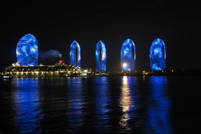珊瑚号夜游三亚湾