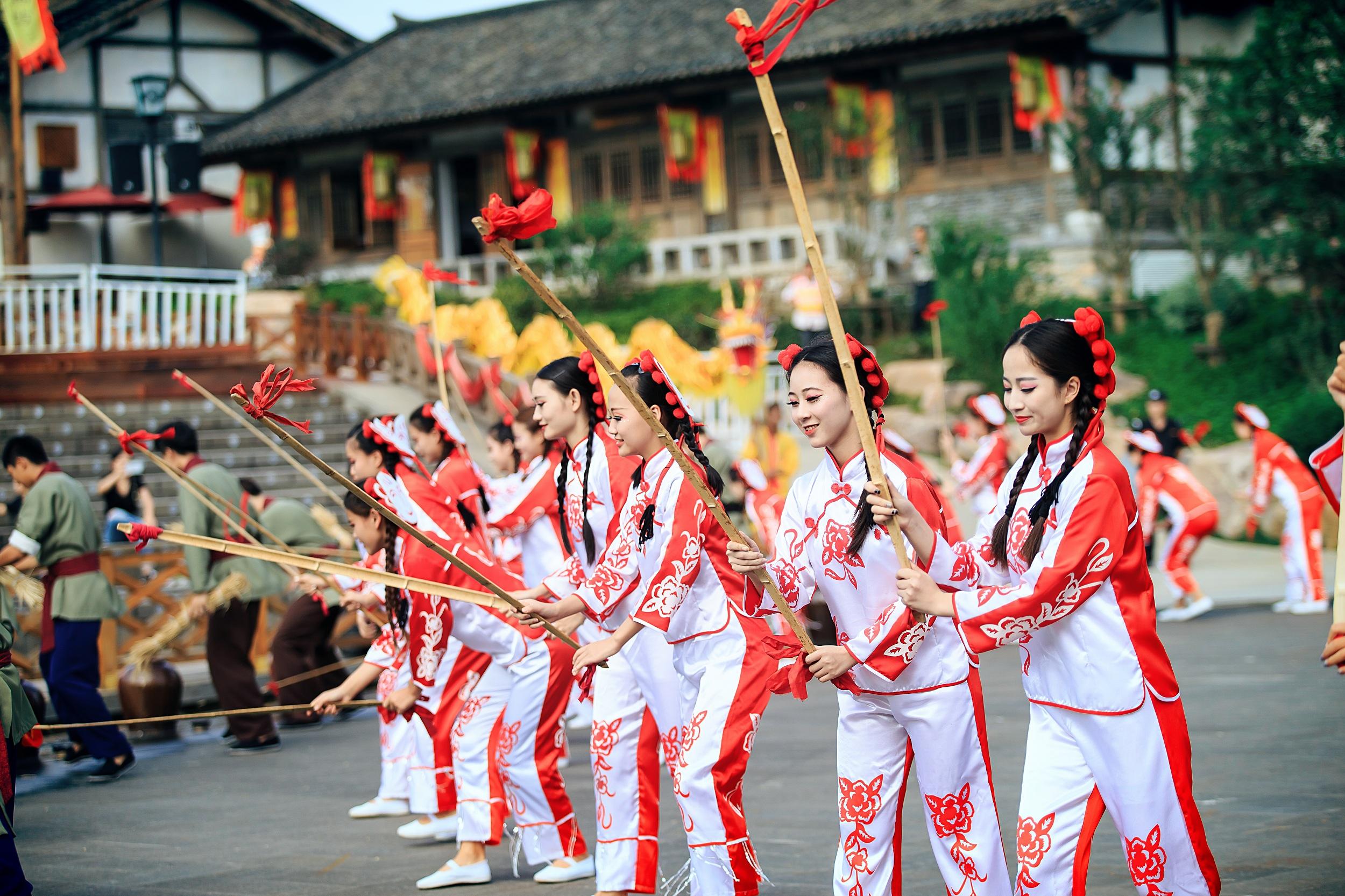 東方鹽湖城民俗演藝穿越千年