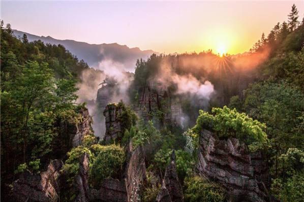 恩施大峡谷、梭布垭石林风景区巴士2日当地游