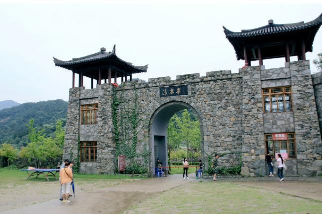武汉木兰胜天农庄休闲度假+清凉寨高山峡谷巴士2日游