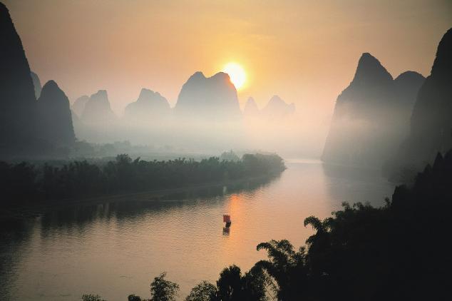 桂林漓江、遇龙河、银子岩5日双飞跟团游性价比