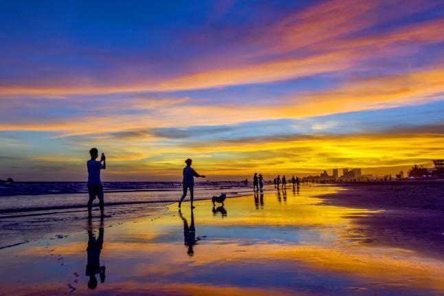 北海银滩、涠洲岛、百年老街5日双高跟团游经典景点组合,感受细沙平浪