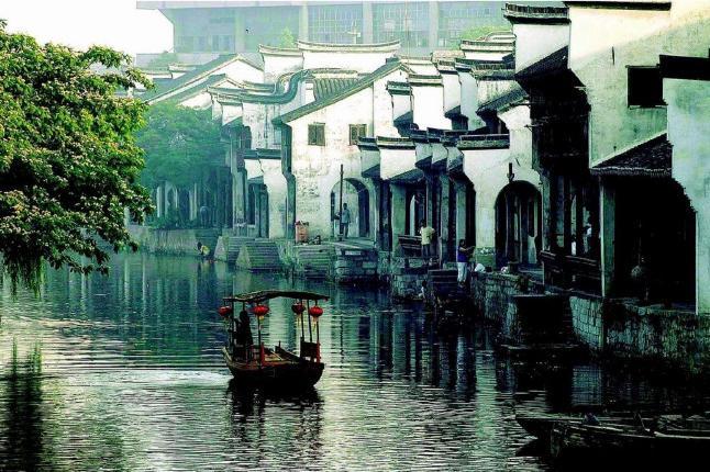 【魅力华东,水乡古镇】杭州雷峰塔,乌镇,苏州狮子林纯玩大巴3日2晚跟团游