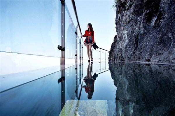 十渡龙湖湾盘壁玻璃栈道、拒马乐园巴士1日当地游[亲子游、亲水]纯玩无购物