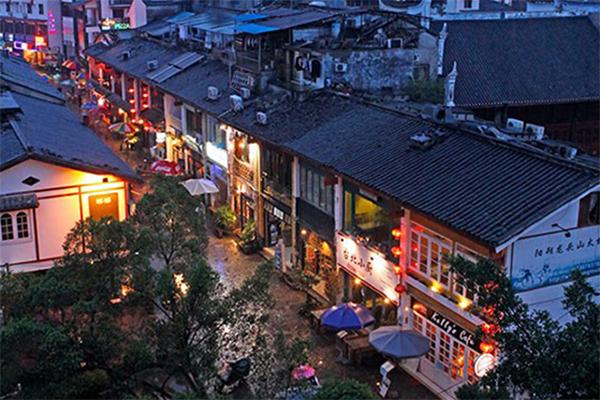 桂林,阳朔,漓江动车4日3晚跟团游