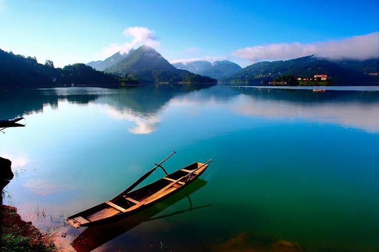 恩施清江风景区巴士1日跟团游乘船漫游土家母亲河 纯玩赏景0购物
