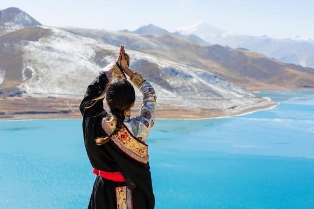 西藏拉萨、林芝、大峡谷、巴松错8日卧飞跟团游[暑期预售]0自费、赠6大特色美食,1晚宿鲁朗国际小镇
