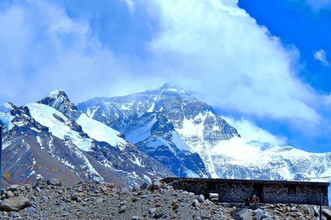西藏拉萨、林芝、日喀则、珠峰大本营15日双卧跟团游[进藏首选]0自费、赠6大特色美食,深度体验藏地田园生活