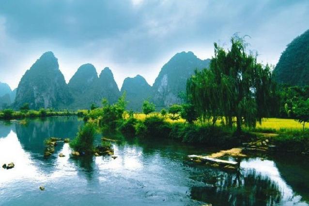 桂林、巴马大巴7日当地游[一次游两地]尽览桂林、阳朔美景;探访巴马长寿之乡长寿秘诀,赠送24小时接送机(站)服务)