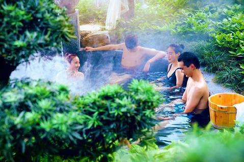 南宁到张家界万福温泉攻略度假村、凤凰古城、vr国际游戏视频女友图片