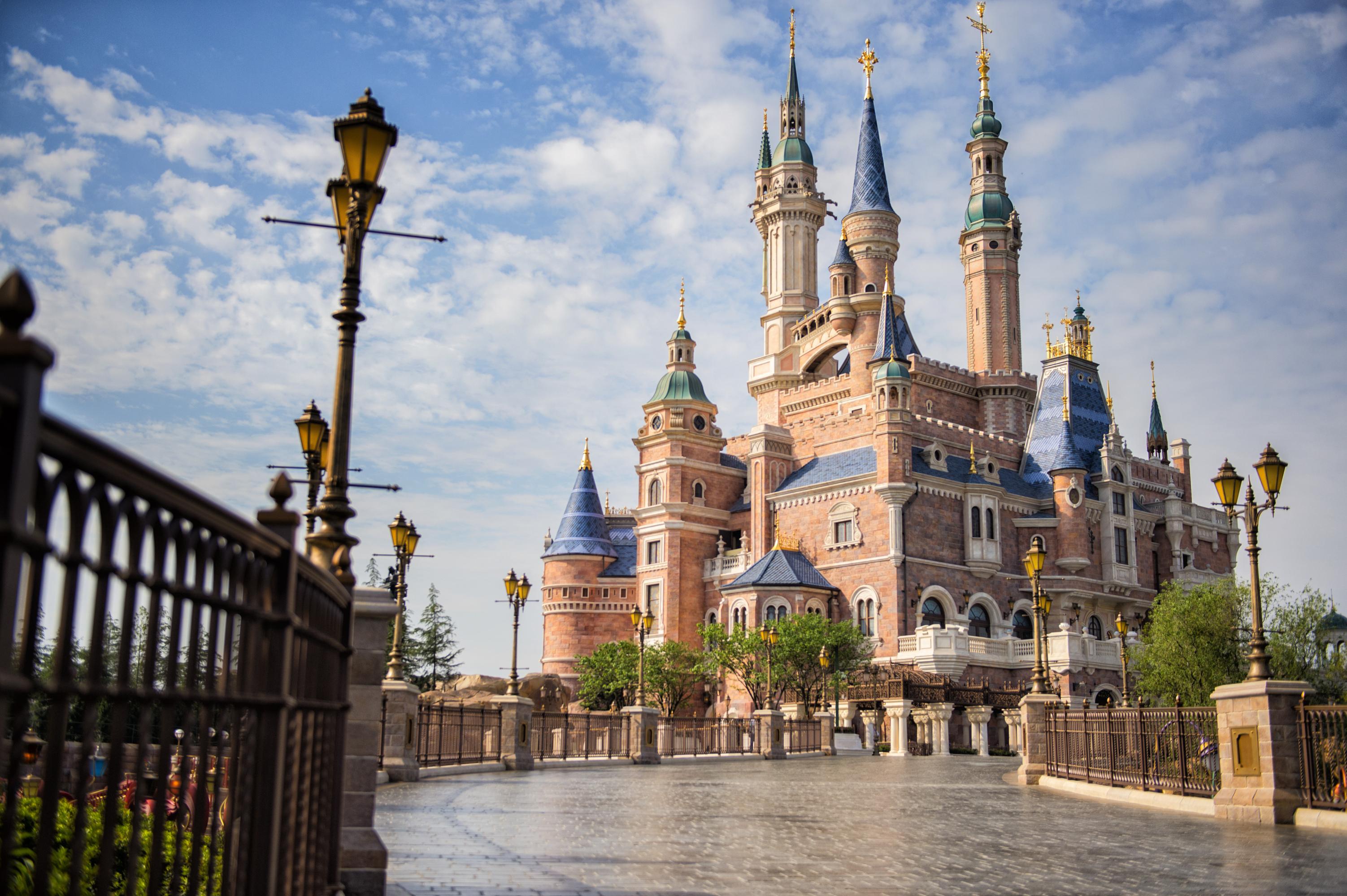 上海迪士尼、杭州、苏州、乌镇西栅巴士5日当地游[双导游服务,纯玩无购物]西湖游船,嗨玩迪士尼,享特色餐,接送无忧
