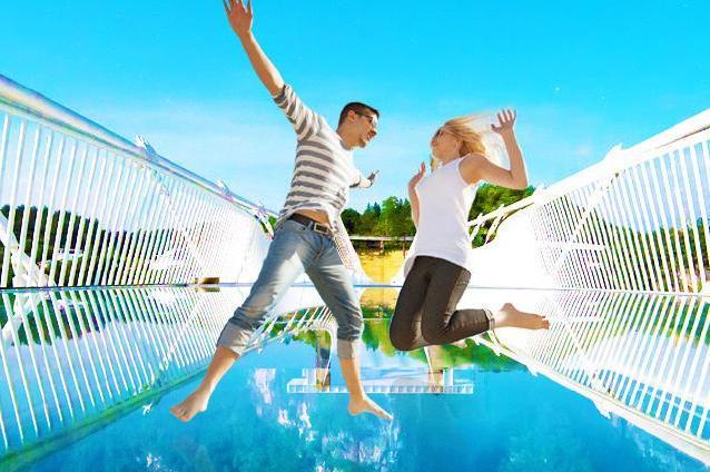 长沙、森林公园、天门山、凤凰古城6日高铁跟团游[轻奢之旅]赠民俗风情晚会-《魅力湘西》