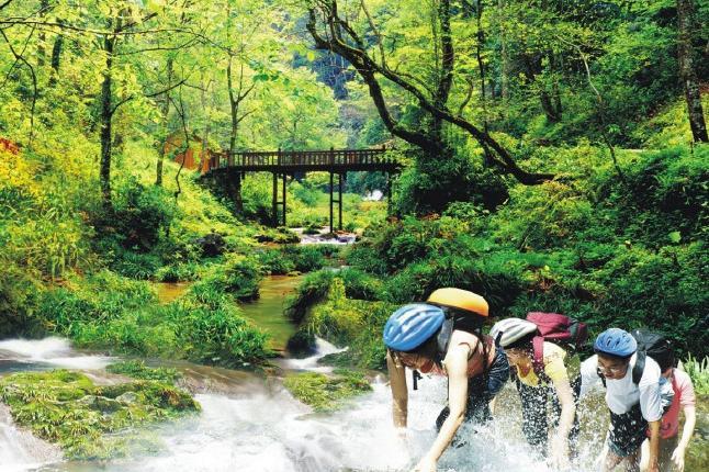 桂林古东-冠岩巴士1日当地游