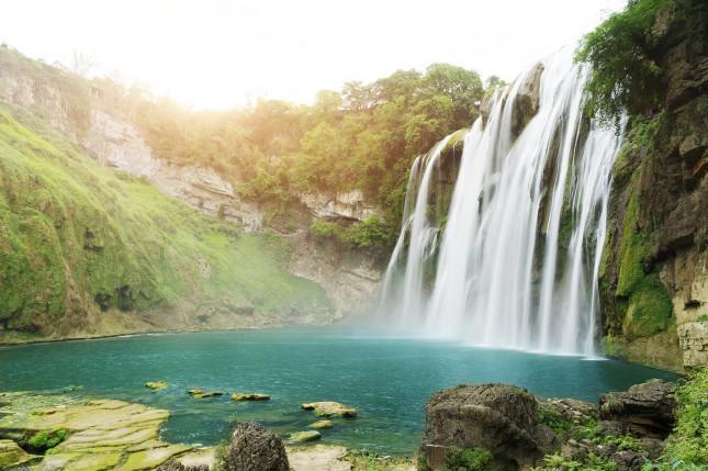 贵州、西江苗寨、黄果树瀑布动车4日跟团游观瀑布、探西江千户苗寨